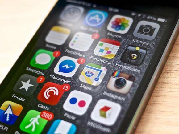 Móvil con muchas apps instaladas - Kārlis Dambrāns - Flickr - CC BY 2.0