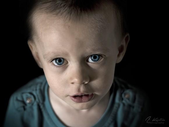 Niño triste - Alesandra Kostina - Flickr - CC BY-NC-SA 2.0