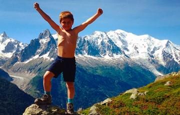 Jaume, a la cima d'una muntanya