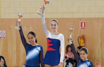 Júlia, campeona de patinaje artístico en Dosrius (2014)