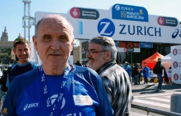 Miquel Pucurull en la meta del Marató de Barcelona 2015