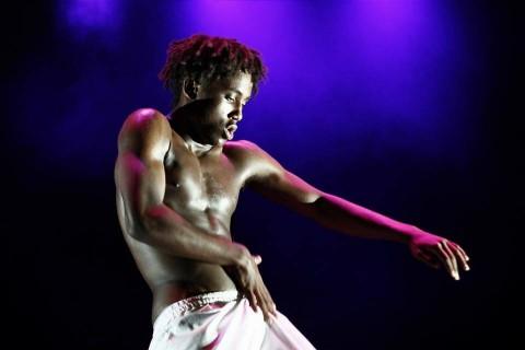 Leiti, la dansa em dóna vida