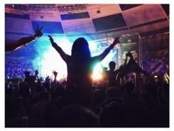 Chica bailando en una discoteca - Maria Polonio